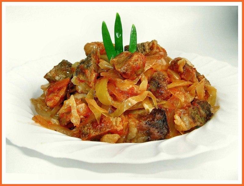 Тушеная капуста с мясом и грибами рецепт пошагово
