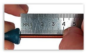 Измерение диаметра провода с помощью линейки