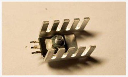 Радиатор предвыходных транзисторов